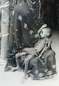 ERITREA-MOTHER AND CHILD B_